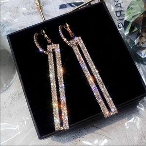 Geometric sparkling goldtone earrings NIP